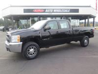 From work to weekends, this Black 2009 Chevrolet