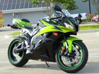 2009 HONDA CBR 600RRBEAUTIFUL GREEN AND BLACK COLOR