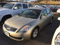 Check out this gently-used 2009 Nissan Altima we
