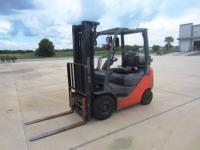 2009 Toyota 8FGU15 3000lbs Outdoor Pneumatic Tire