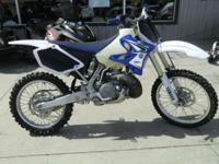 2009 Yamaha YZ250 Has oversized fuel tank and carbon