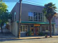 Wonderful mixed use commercial building, well located