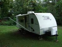 2010 23' FOREST RIVER CAMPER - MAKE: FREEDOM EXPRESS -