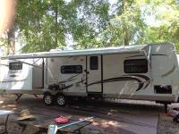 Type of RV: Travel Trailer Year: 2010 Make: Flagstaff