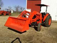 2010-M5640 SU Kubota with LA 1002 SR2 Loader. 6 foot
