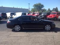 Load your family into the 2010 Acura RL! This is a