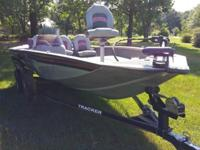 2010 BASS TRACKER PRO CRAPPIE 175 WITH 60HP MERCURY 4