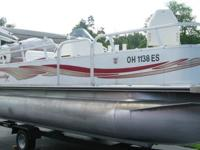 2010 Bentley Encore 20 ft. Fishing Boat, Includes life
