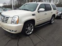 2010 Cadillac Escalade Luxury in White Diamond Tricoat