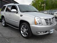 This 2010 Cadillac Escalade 4dr AWD 4dr Luxury features