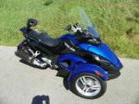 ALMOST LIKE NEW 2010 CAN-AM SPYDER RS ROADSTER SM5 WITH