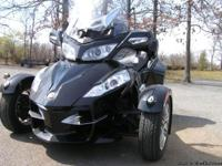 2010 CAN-AM Spyder RT-S  SM5 trike .has 11,396 on