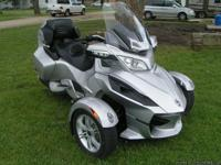 2010 CAN-AM SPYDER RT-SM5 WITH 6100 MILES. This unit