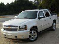 Exterior Color: pearl, Body: Crew Cab Pickup Truck,