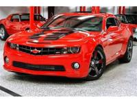 This 2010 Chevrolet Camaro 2dr 2SS features a 6.2L V8