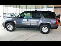 SUPER CLEAN 2010 CHEV TAHOE LOW MILES.....METALLIC GRAY