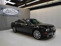 2010 CHRYSLER 300S BLACK/ DARK SLATE GRAY The