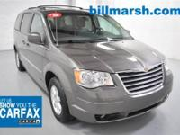 Town & Country Touring Plus, Titanium, Leather,