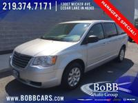 CLEAN CARFAX !, 3rd ROW SEATING !, KEYLESS ENTRY !,