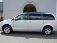 2010 CHRYSLER TOWN & COUNTRY TOURING VAN. CLEAN NO