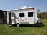 2010 Cozy Traveler 18R54B Travel Trailer w/Rear Bath,