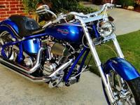 This is a gorgeous softail cruiser that's in immaculate