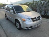 SXT trim. EPA 25 MPG Hwy/17 MPG City! Third Row Seat,