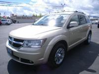 ENERGY EFFICIENT 24 MPG Hwy/16 MPG City! CARFAX