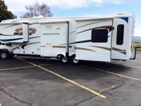 2010 Dutchmen Grand Junction Series M-340RL. 5th Wheel