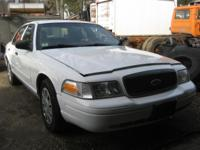 2010 ford crown vic, 4.6 v/8 auto, options, good tires,