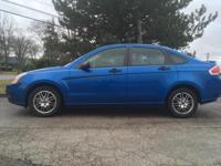 Focus SE, Duratec 2.0L I4 DOHC, FWD, Blue. 35/24