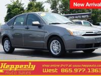 This 2010 Ford Focus SE in Sterling Gray Metallic