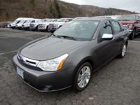 Gray 2010 Ford Focus SEL FWD 5-Speed Manual Duratec