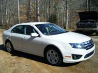 2010 Ford Fusion SE Clean and Quiet Pearl White 4 Door