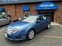 This 2010 Ford Fusion 4dr SE Sedan features a 2.5L I4