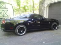 2010 ford mustang 54989 low miles, lady owned lady