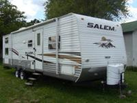 2010 Forest River Salem 30QBSS, 31 foot travel trailer,