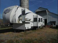 2010 Forest River Sandpiper This 5th wheel is self
