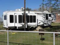 2010 Forest River Sandpiper in Excellent Condition- - -