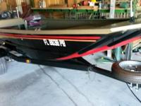 2010 g3 john boat with 25, two stroke yahama. Boat 15