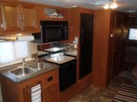 2010 Forest River, Georgetown, 300 FWS, 31 feet, GM 8.1