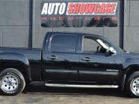 This 2010 GMC Sierra 1500 SL Crew Cab 4WD features a