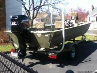 2010 grizzly tracker fishing boat/trailer 50 horsepower
