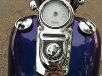 2010 Dyna super glide custom. Has 8500 miles. Lots of