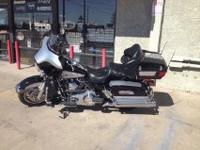 This is a beautiful 2010 Harley ElectraGlide Ultra