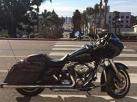 2010 Harley Davidson Road Glide Custom- Clean title.