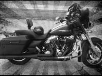 2010 Denim Black Streetglide 17,500 miles. -255 cams
