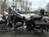 2010 Road King Classic is in pristine condition, Im the