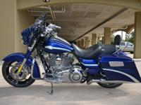 2010 STREET GLIDE FLHXSE CVO Candy Concord with Gold