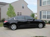 2010 Honda Accord 4D Sedan EX-L: Black 46, 148 miles